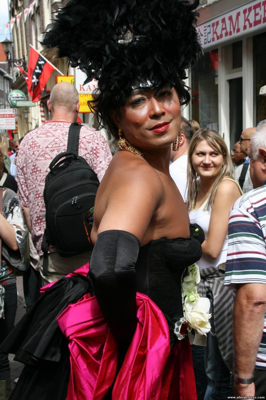 bolshe-vsego-transvestitov-v